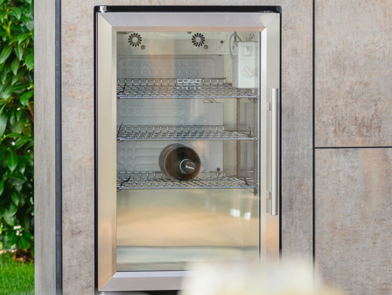 OUT4KITCHEN Outdoorküche mit Caso Outdoorkühlschrank